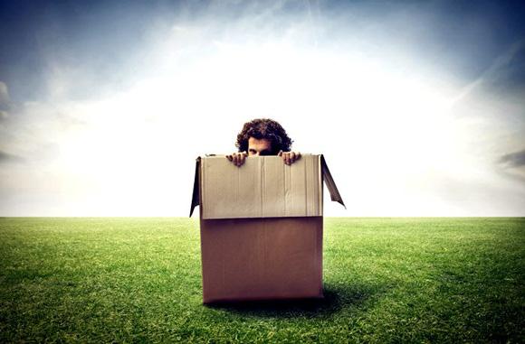 человек в коробке