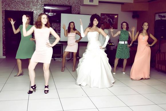 Сюрприз от невесты для жениха на свадьбе видео