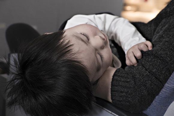 Как быстро и правильно уложить спать годовалого ребенка