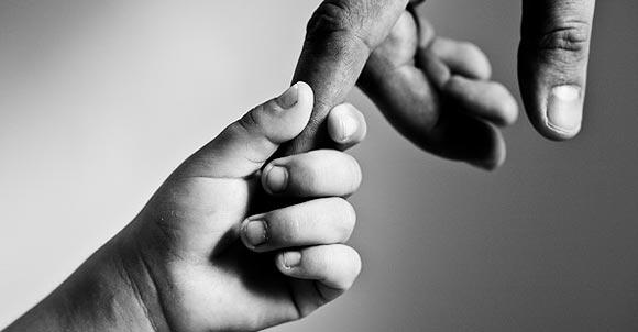 Как поставить себя в коллективе не шагая по головам, а налаживая полезные контакты