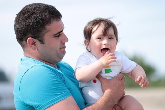Как мужу изменить ситуацию, если жена съехала с катушек и манипулирует ребенком