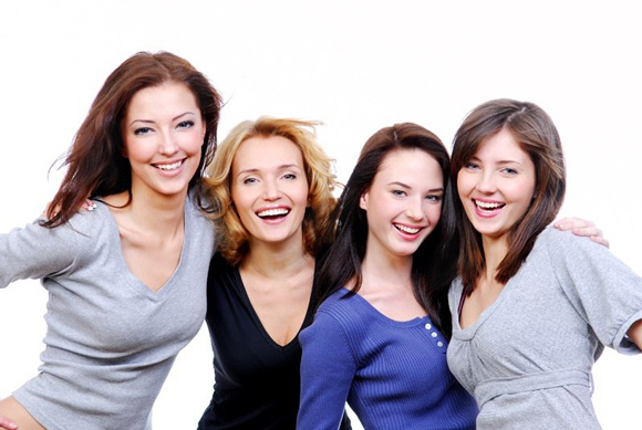 Как научиться распознавать интерес к себе по знакам внимания девушки