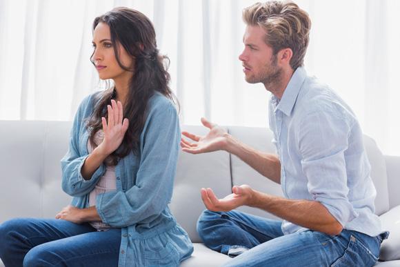 Что делать жене, когда муж гундит и винит ее в своих бедах