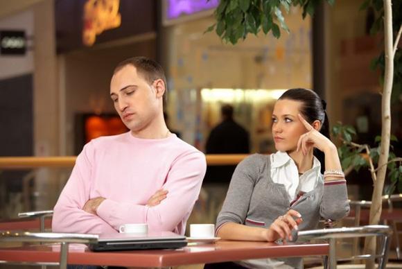 Что делать когда мужчина, которому вы явно нравитесь, ведет себя непоследовательно и игнорирует