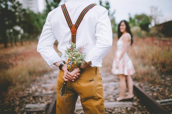Какие детали помогут девушке подогревать интерес парня, что он незаметно для себя влюбится