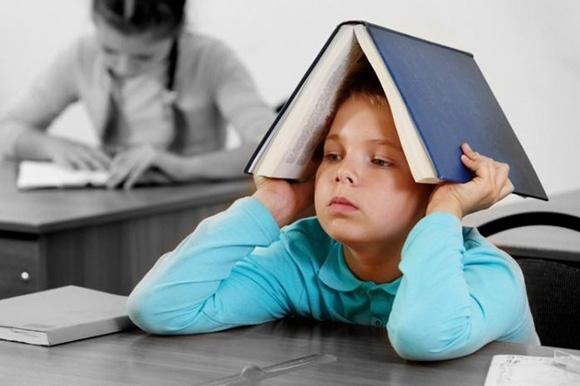 книга на голове